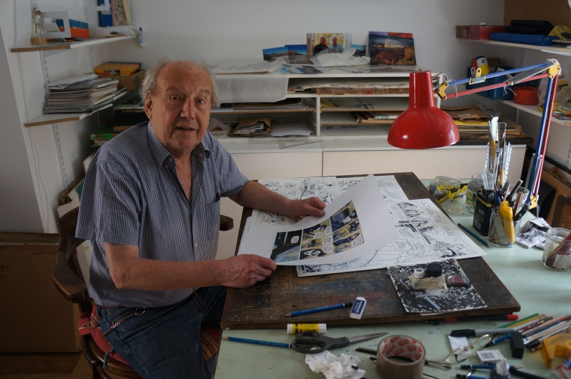 Jean-Claude Mézières dans son atelier parisien