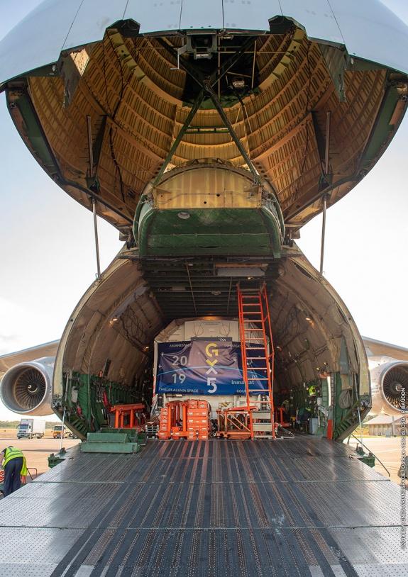 Livraison de GX5 par avion Antonov