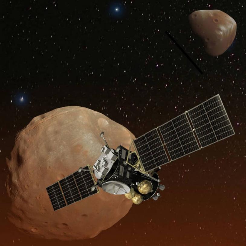 La sonde japonaise MMX devant Phobos et Deimos