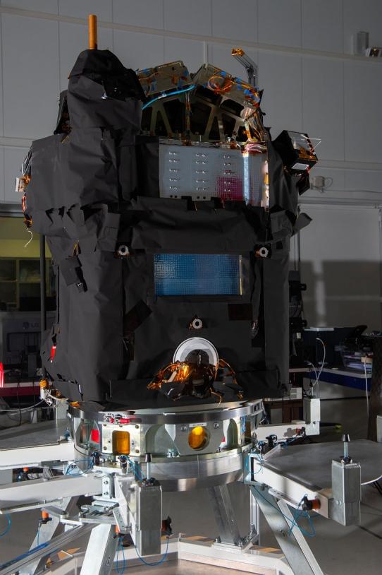 Le satellite Taranis avant son départ pour Kourou