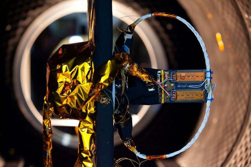 Test sur le moteur d'entraînement des panneaux solaires de Taranis